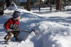 shoveling-snow2