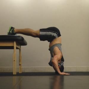 Raised Shoulder Pushup: Step 2